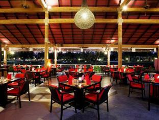 Centara Grand West Sands Resort & Villas Phuket - Restoran