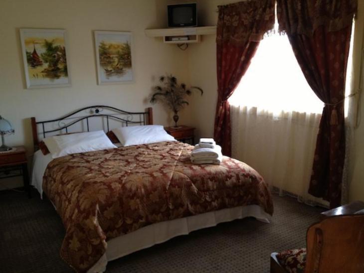 Codrington Gardens Bed & Breakfast photo 5
