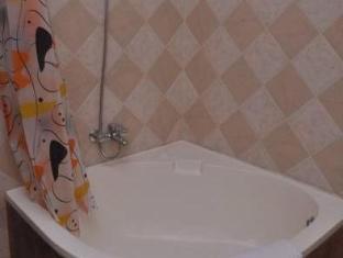 LakeNest Bolgoda Resort Moratuwa / Panadura - Bathroom