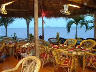 Long Villa Inn Kep - Restaurant view at night