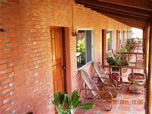 Long Villa Inn Kep - Private terrace