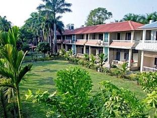 Hotel Wild Life Camp Chitwan National Park - Hotellet indefra