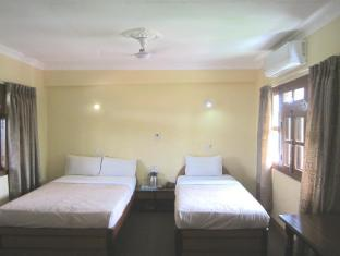 Hotel Wild Life Camp Chitwan - Double Bed