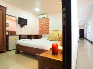 Baan Sutra Guesthouse Phuket - Standard King Bed