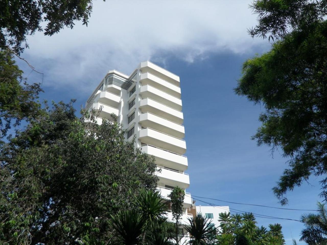 เดอะ โมนาโค เรสซิเดนซ์ (The Monaco Residence)