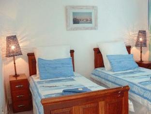 Fish Hoek Luxury Self-Catering Apartments Cape Town - Crows Nest Second Bedroom