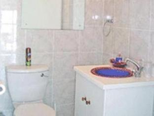 Fish Hoek Luxury Self-Catering Apartments Cape Town - Garden Apartment Bathroom