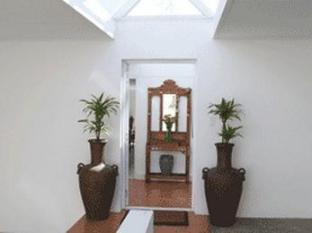 Fish Hoek Luxury Self-Catering Apartments Cape Town - Garden Apartment Entrance Hall