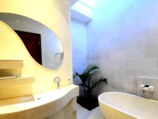 Jas Boutique Villas Bali - Bathroom