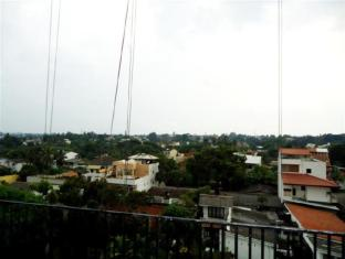 Breeze Apartment Colombo - Studio Apartment View