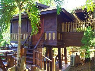 Lhongkhao Resort guestroom junior suite