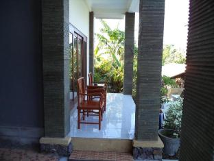 Anugerah Villas Amed Bali - Balcon/Terrasse