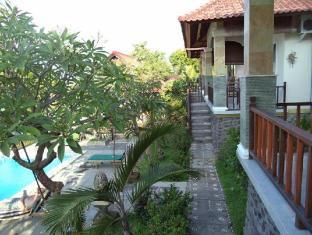 Anugerah Villas Amed Bali - Balkon/Teras