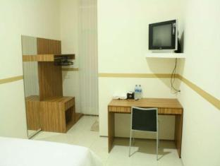 Feliz Guest House Surabaya - Superior Room
