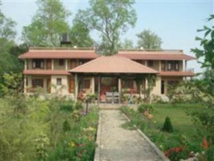 River Bank Inn Chitwan - Hotellet udefra