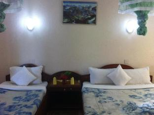 River Bank Inn Chitwan - غرفة الضيوف
