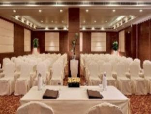 Altis Hotel by Aveda New Delhi and NCR - Meeting Room