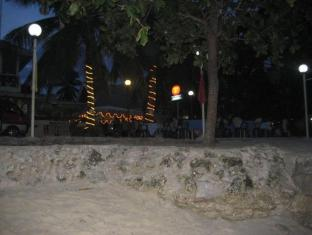 Alona Grove Tourist Inn Panglao Island - חוף ים