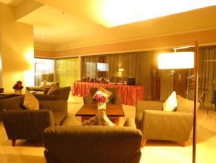 La Breza Hotel Manila - Lobby