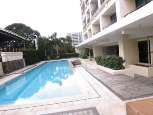 La Breza Hotel Manila - Swimming Pool