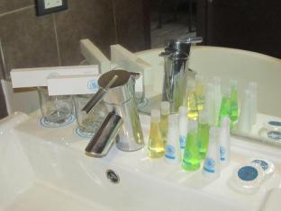 La Breza Hotel Manila - Room Amenities