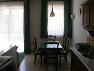 Hotel Haus Csanaky Siofok - Family Apartment - Kitchen