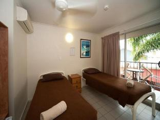 Airlie Waterfront Backpackers Whitsunday Islands - חדר שינה
