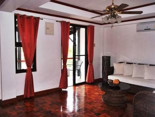 Balay de la Rama Bed and Breakfast Daraga - Lounge with view of Mount Mayon