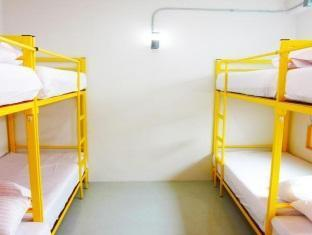 Mixed Dormitory 4 Bunk Bed