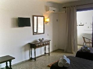 Best guest rating in Sant Antoni De Portmany ➦  takes PayPal