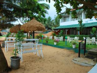Sea Garden Hotel Negombo - Hotel View from the beach