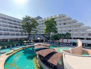 Andaman Embrace Resort & Spa Patong Beach Phuket - Pool