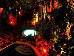 Hilltop Hotel Phuket - Garten