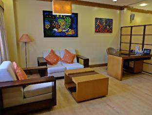 Hollywood Suites Cebu - Junior Suite