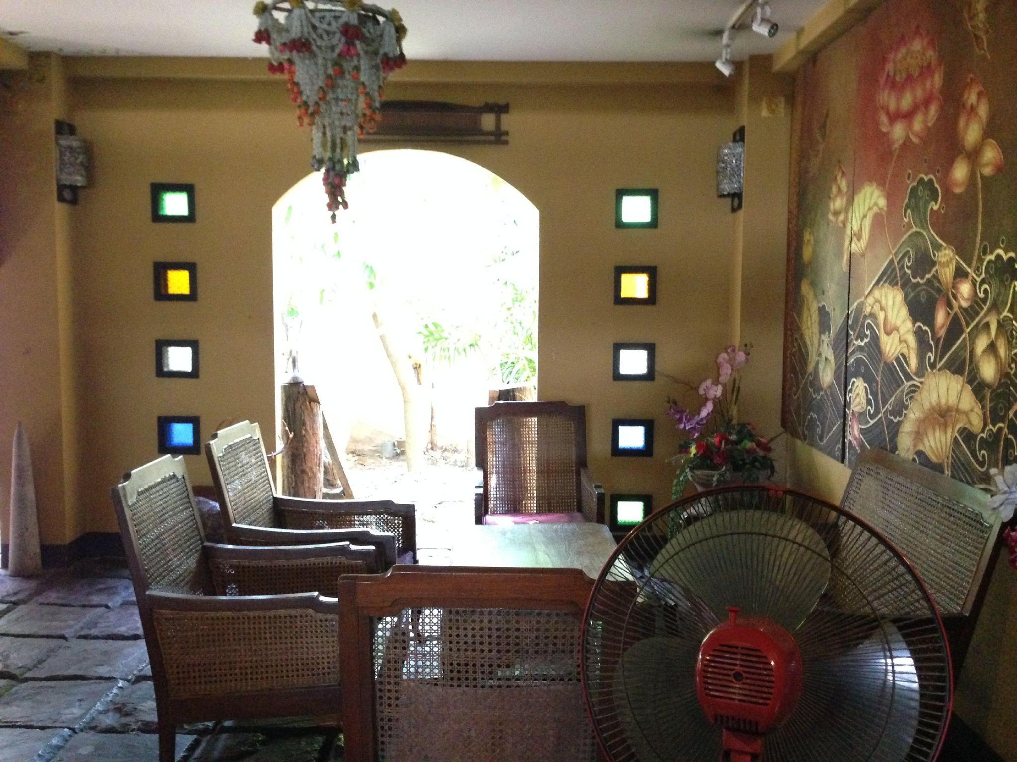 บ้านทองหลวง บูติก โฮเต็ล