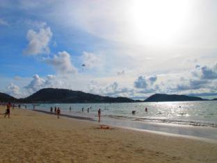 Boomerang Inn Phuket - Strand