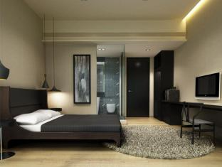 Eaton Smart New Delhi Airport Transit Hotel New Delhi and NCR - Deluxe Double Room