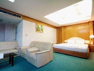リバー ホテル River Hotel