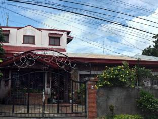 Casa Ruby Bed & Breakfast Davao - Entrance