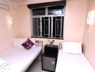 New International Guest House Hong Kong - Triple (1 double + 1 single)
