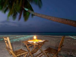 Yellow Rehendhi Inn Maldives Islands - Private Beach Dining