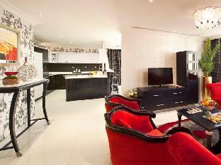 Swiss Hotel Corniche guestroom junior suite
