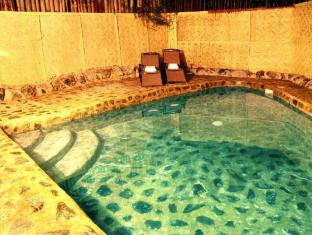 Agila Pool Villas Resort Cebu City - Pool