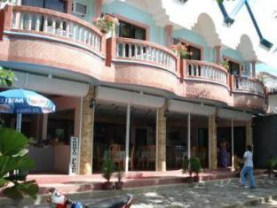 Trudis Place Бохол - Зовнішній вид готелю