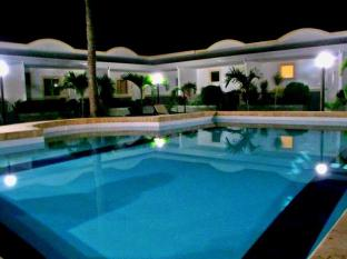Villa Del Pueblo Inn Bohol - Svømmebasseng
