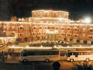 Hotel Raj Vilas Place