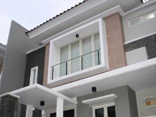 Panggon Guesthouse Surabaja - Viešbučio išorė