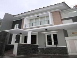 Panggon Guesthouse Surabaya - Exteriér hotelu