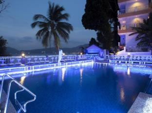 Blue Beach Club & Resort Phuket - Swimming Pool