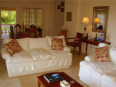 The Cove House Bed & Breakfast Panglao sala - Krogs/atpūtas telpa